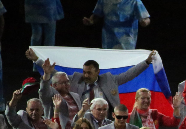 МИД: белорусский спортсмен, вынесший флаг России на открытии Паралимпиады, поступил по-мужски