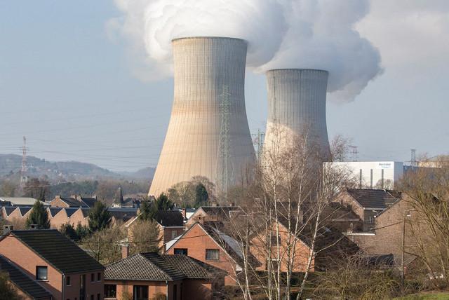 Власти ФРГ начали готовиться к возможной катастрофе на бельгийской АЭС