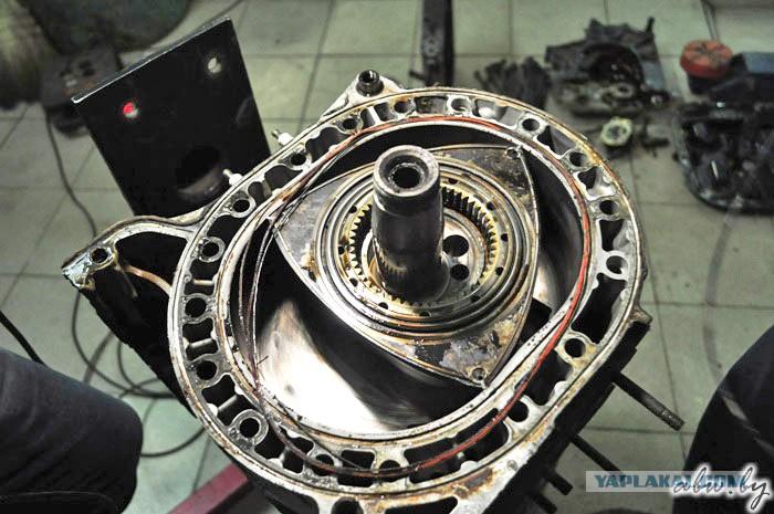 Разбираем роторный двигатель