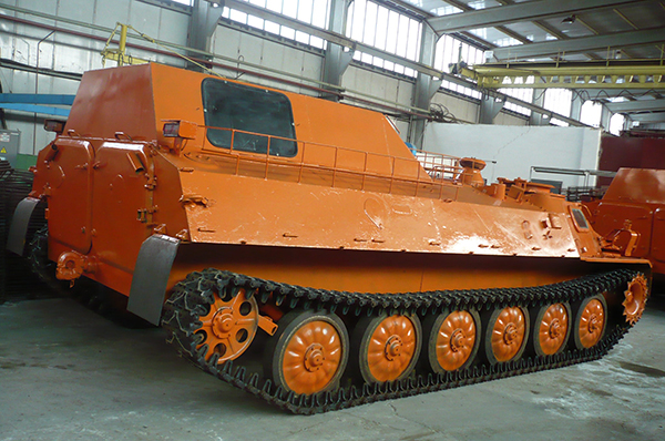 То есть она...  Так как чертежей танка Абрамс понятное дело не найти - я купил модели МТЛБ и Абрамса в масштабе 1:35.