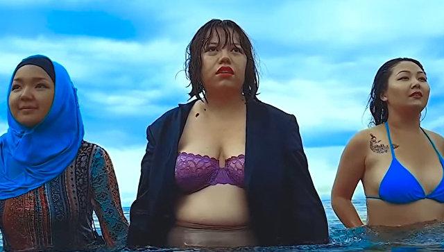 Встали грудью. В Средней Азии женщины отстаивают свои права, снимая одежду