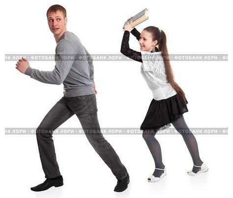 Как сделать чтобы бегал мужчина за женщиной