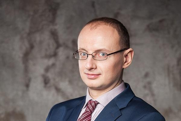 Москвич требует от «Яндекса» 1 миллион рублей за новости, от которых он облысел