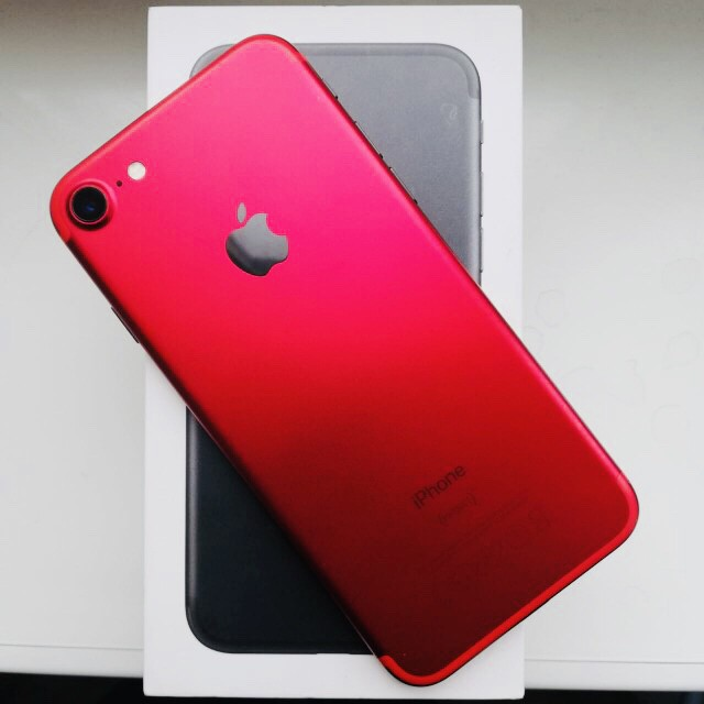 Продам iphone 7 Black&Red edition
