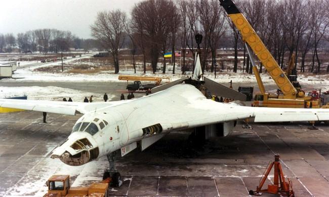 ГПУ: Во времена Лебедева Минобороны продало 2 самолета по цене металлолома - Цензор.НЕТ 1217