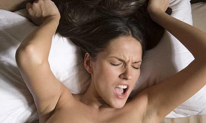 Женский оргазм длится 6-12 секунд ,а у мужчин 4-6 секунд.