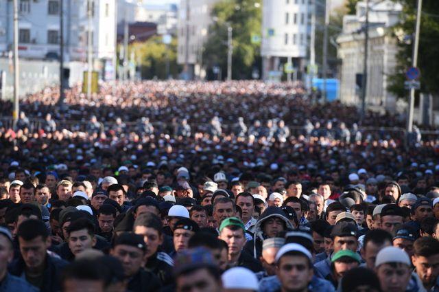 Молитву в честь Курбан-байрама в Москве посетили более 240 тысяч человек