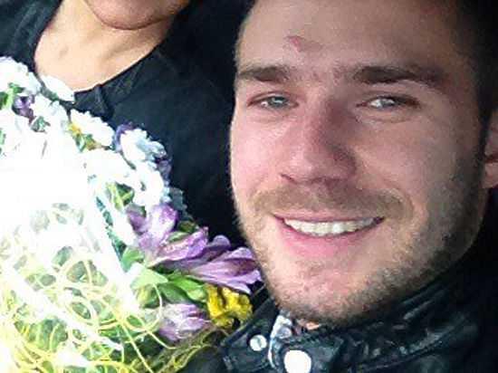 Отец водителя «Мерседеса», сбившего мужчину, заявил, что его сын за границей