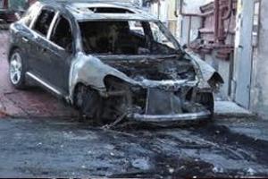 В Волгограде сожгли люксовую иномарку