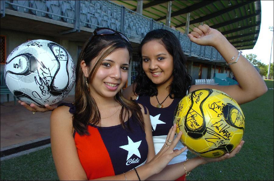 Футбольные болельщицы! Симпотичные девушки. Смотрите также.
