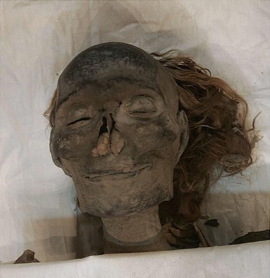Загадка улыбающейся мумии. Мумии и скелеты - тайны истории. 5