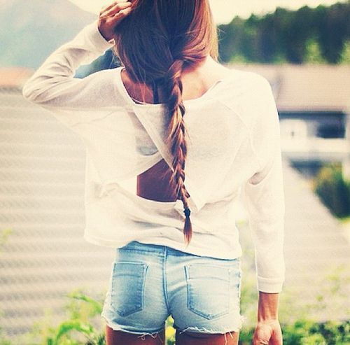 Девушки в шортах - восхитительны!