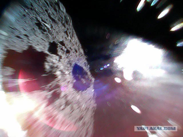 Два японских робота успешно приземлились на астероид Рюгу и прислали фото