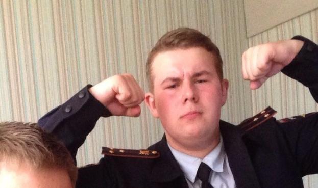 В Москве поймали оборотня наоборот: 17-летний подросток год обманывал полицейских, переодевшись в форму МВД
