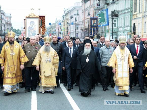 Мэрия Владимира запретила митинги против пенсионной реформы, но разрешила молебен в свою честь