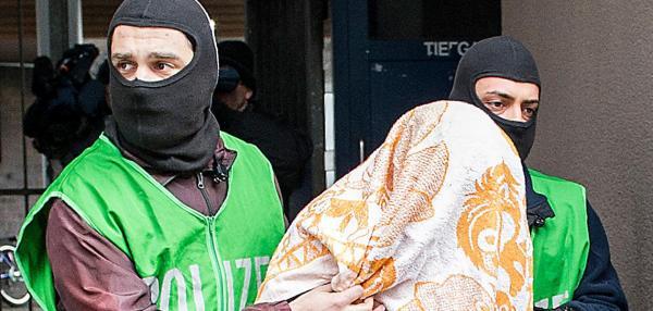 """В Германии задержали 11 исламистов, планировавших убийство """"неверных"""""""