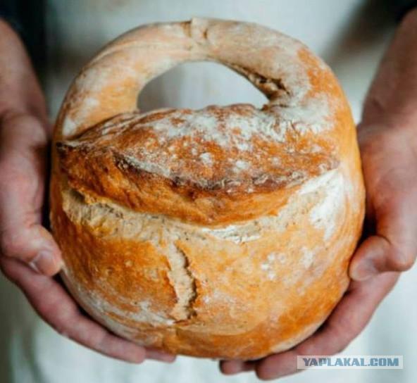 Хлебное изделие выпеченое в форме замка