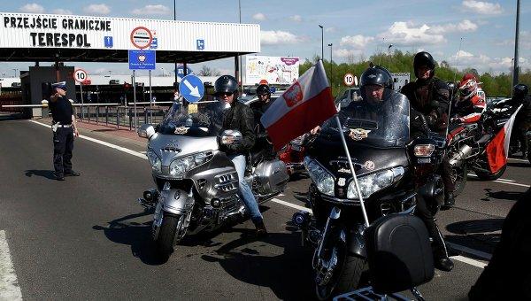 Мотоциклисты Польши протестуют