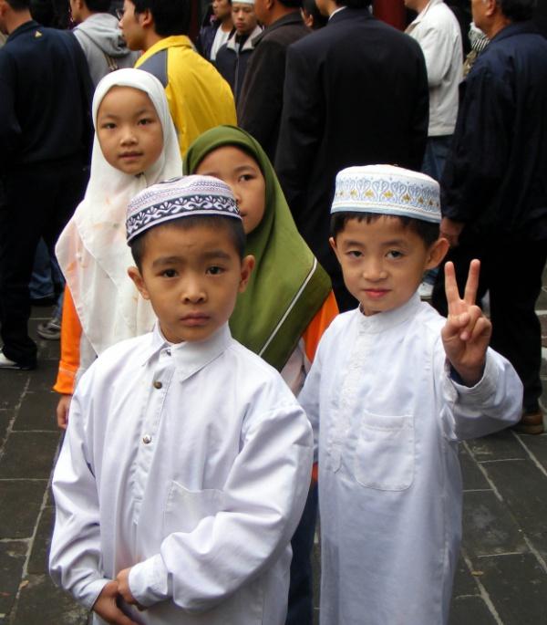 Китай усиливает борьбу с религиозными воспитанием