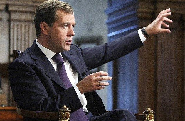 Медведев пожаловался на неэффективный труд россиян