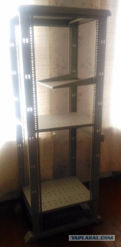 Продам в Питере Серверная стойка + UPS APC + блок розеток