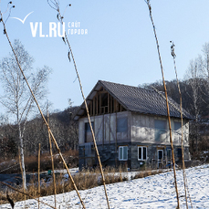 В селе под Партизанском местные жители угрожают сжечь дом семьи, находящейся на карантине по коронавирусу