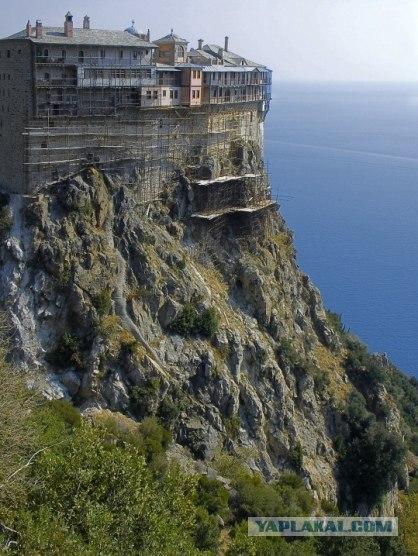 Монастыри на Святой Горе