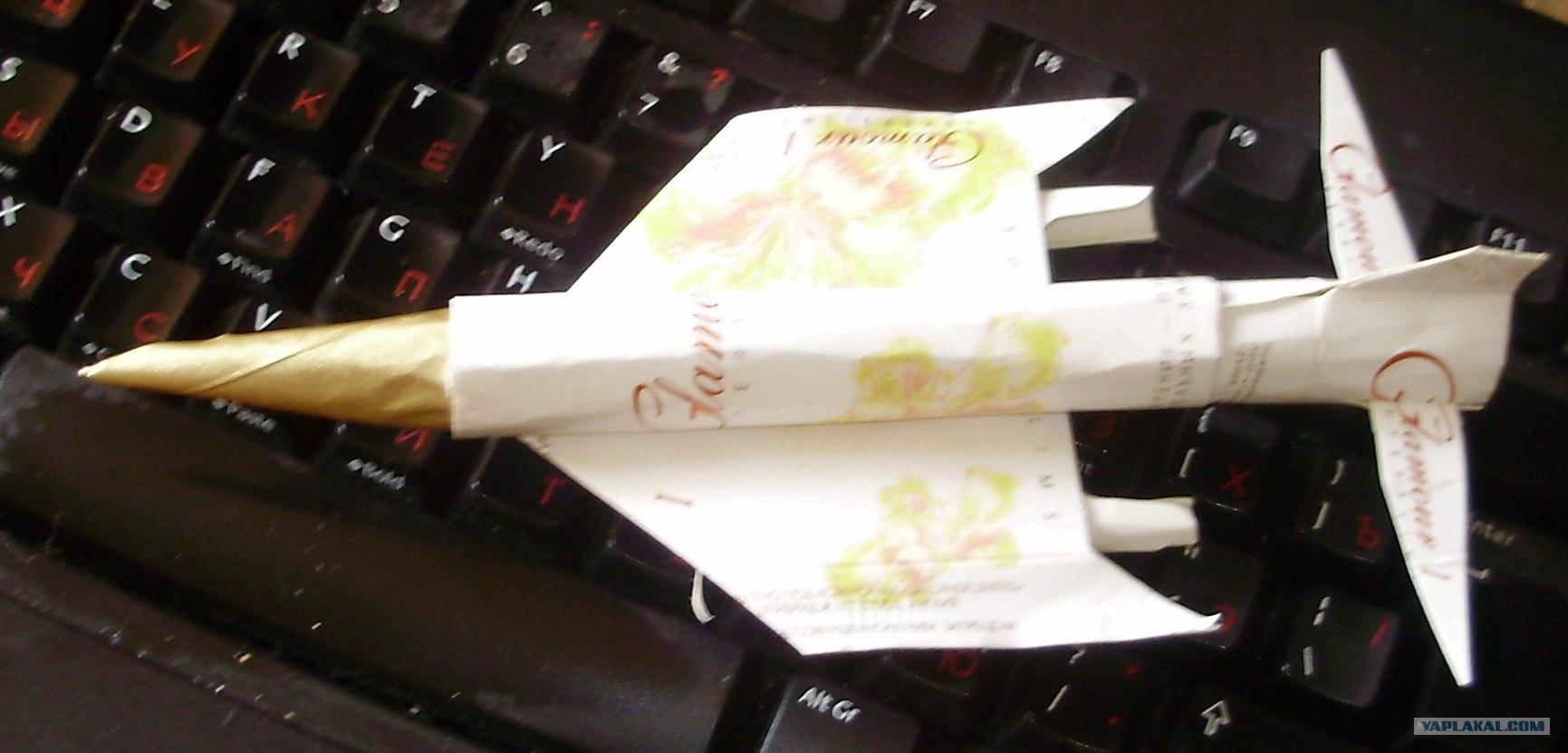 Как из пачек сигарет сделать самолет