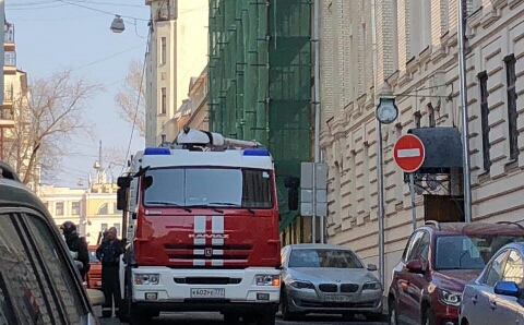 В центре Москвы произошло частичное обрушение здания
