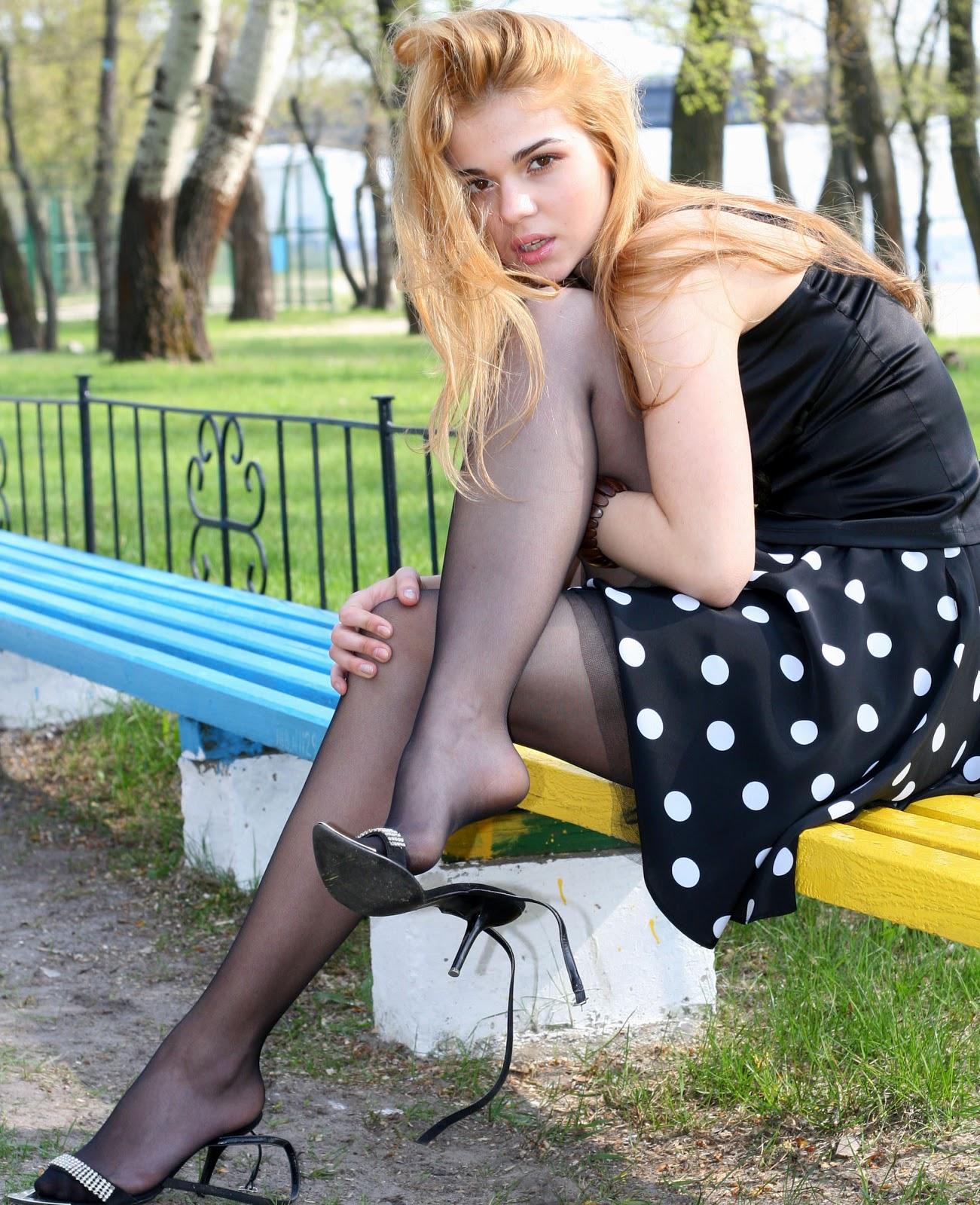 Фото российских девушек в колготках из соц сетей 2 фотография