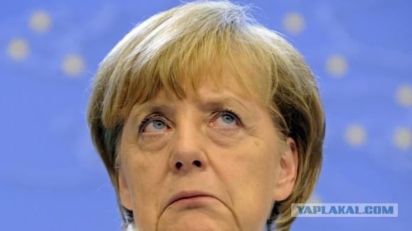 Меркель: Европа утратила контроль над беженцами