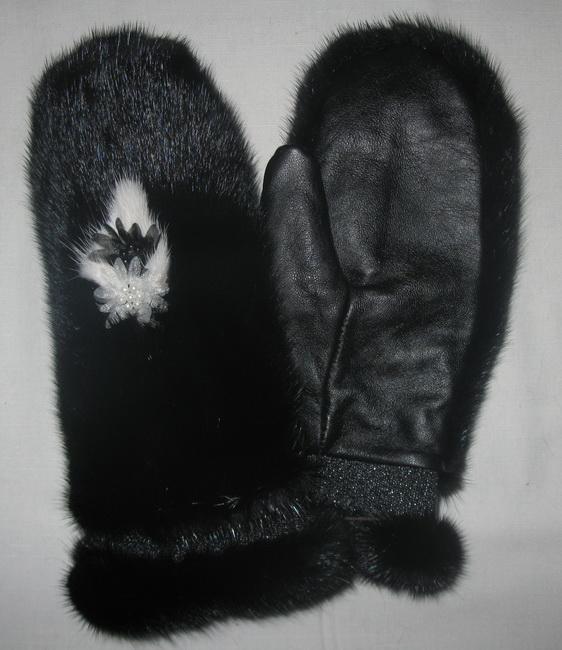 Меховые рукавички - замечательный подарок к Новому Году!