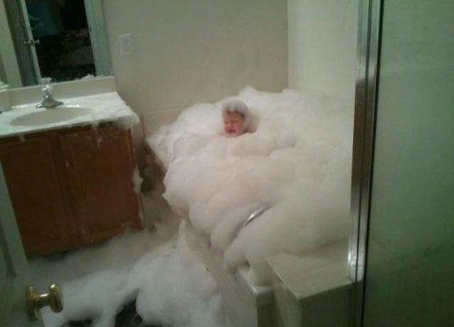 Дорогой, проверь как там сынуля в ванной купается!