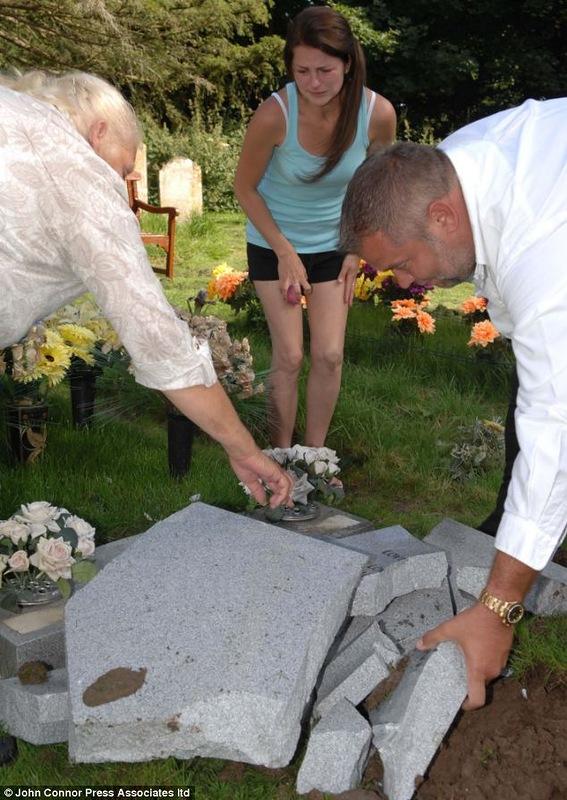 Церковь приказала разбить надгробье...