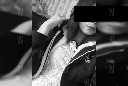 «Тыкали расческой, заставляли пить мочу»: восьмиклассница «заказала» изнасилование своей подруги
