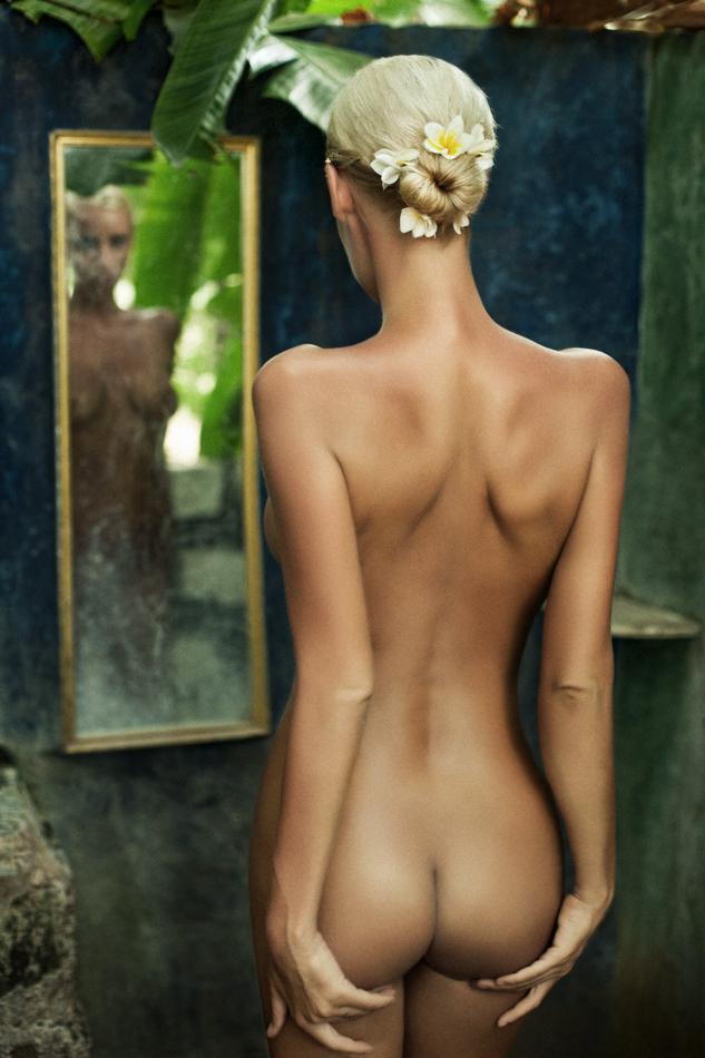 Фото жопы в зеркале 17 фотография