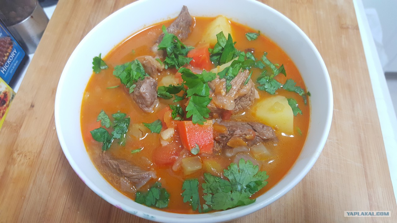 Суп из говядины и помидор