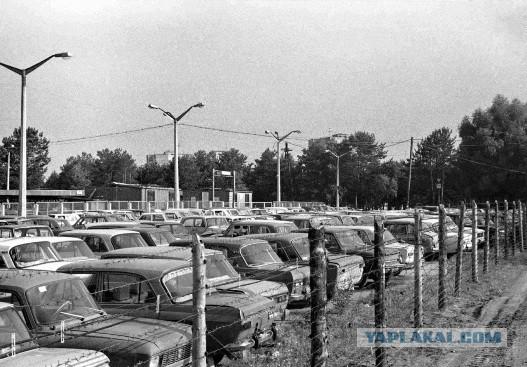 К годовщине аварии на ЧАЭС: автомобильные кладбища в зоне отчуждения тогда и сегодня
