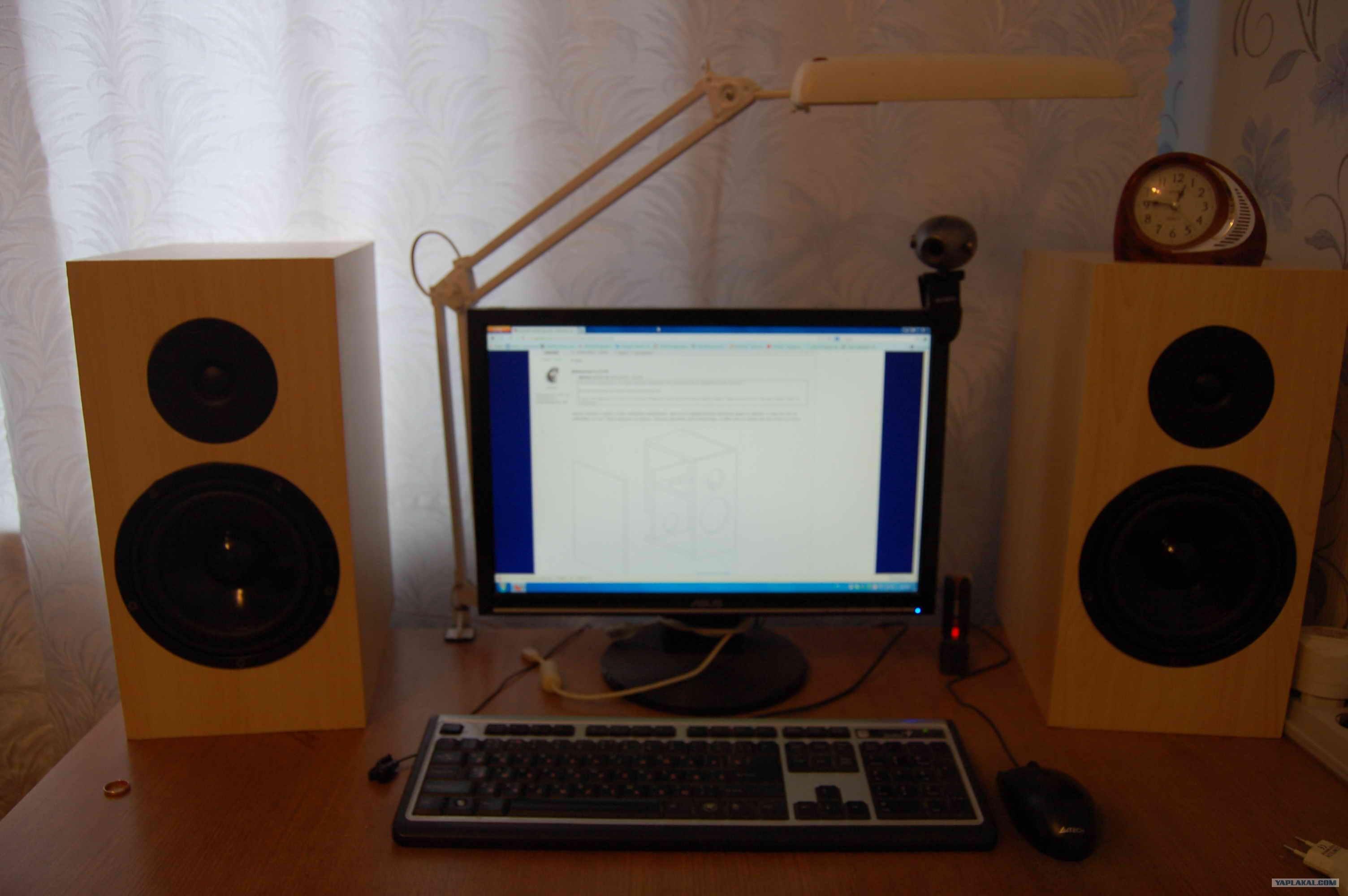 Подставки к компьютеру своими руками фото 1