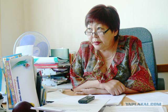 Обиженная мать пожаловалась в прокуратуру на пляжные фото замдиректора школы
