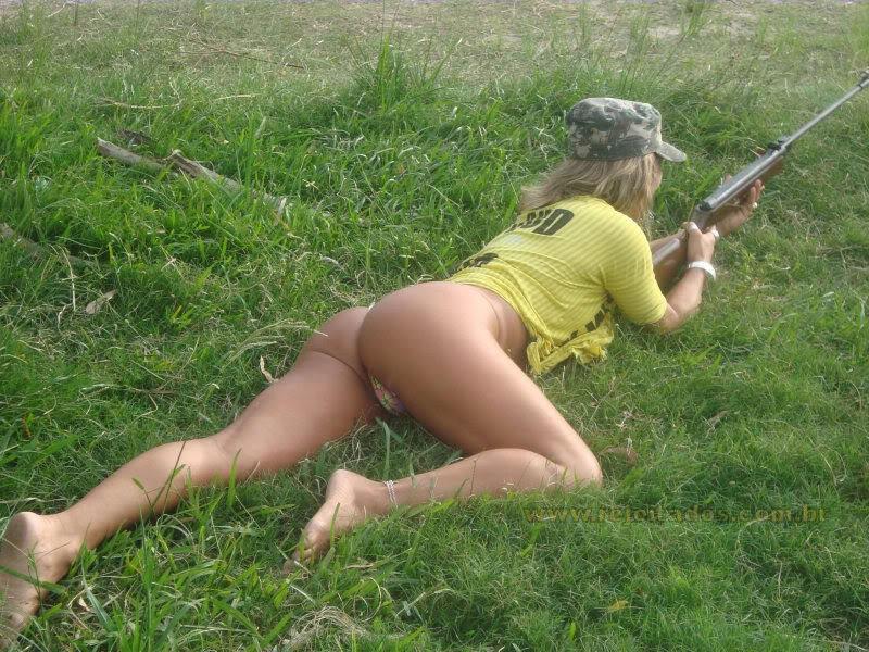 foto-golih-russkih-zhenshin-na-prirode