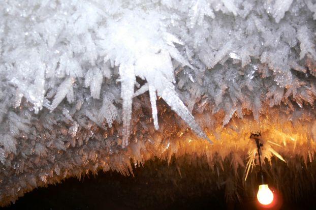 Ледянные катокомбы за полярным кругом