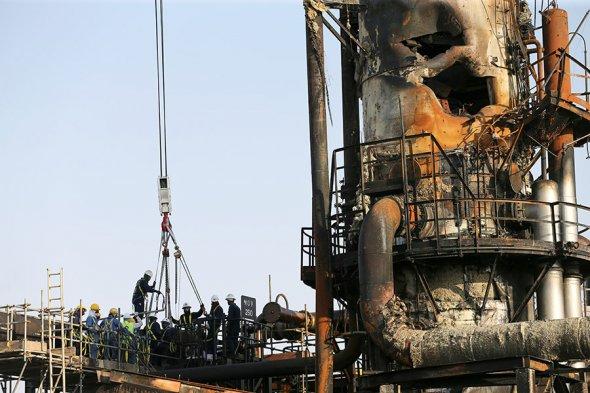 Последствия атаки дронов на нефтяные объекты Saudi Aramco. Фоторепортаж