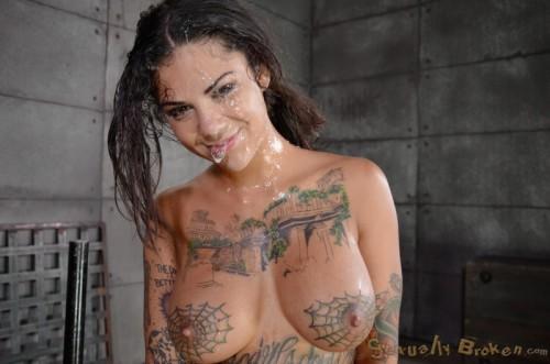 Stephanie mcmahon boob slip out