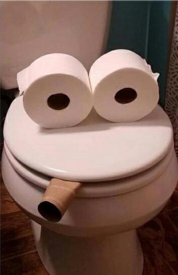 « Зашла в туалет:..»