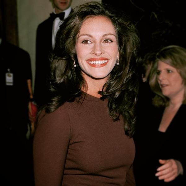 Как выглядели знаменитости в 1990х
