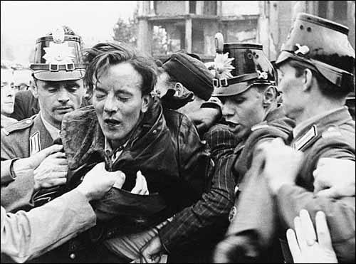 Демократии со вспоротыми животами не бывает. Берлин 1953 г.