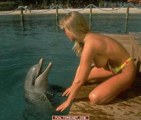порно с девушка и дельфин