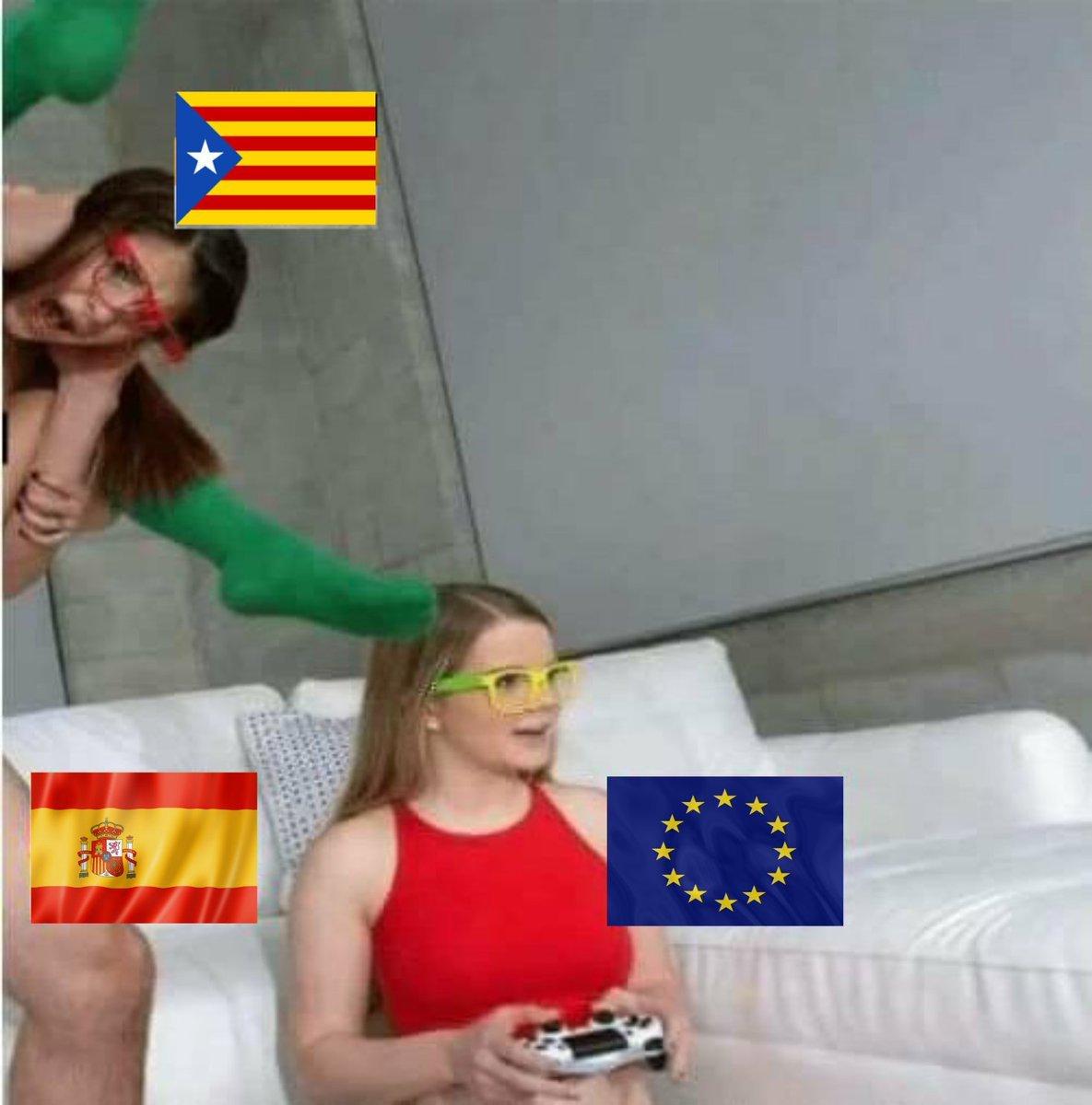 Коротко о референдуме в Каталонии - ЯПлакалъ
