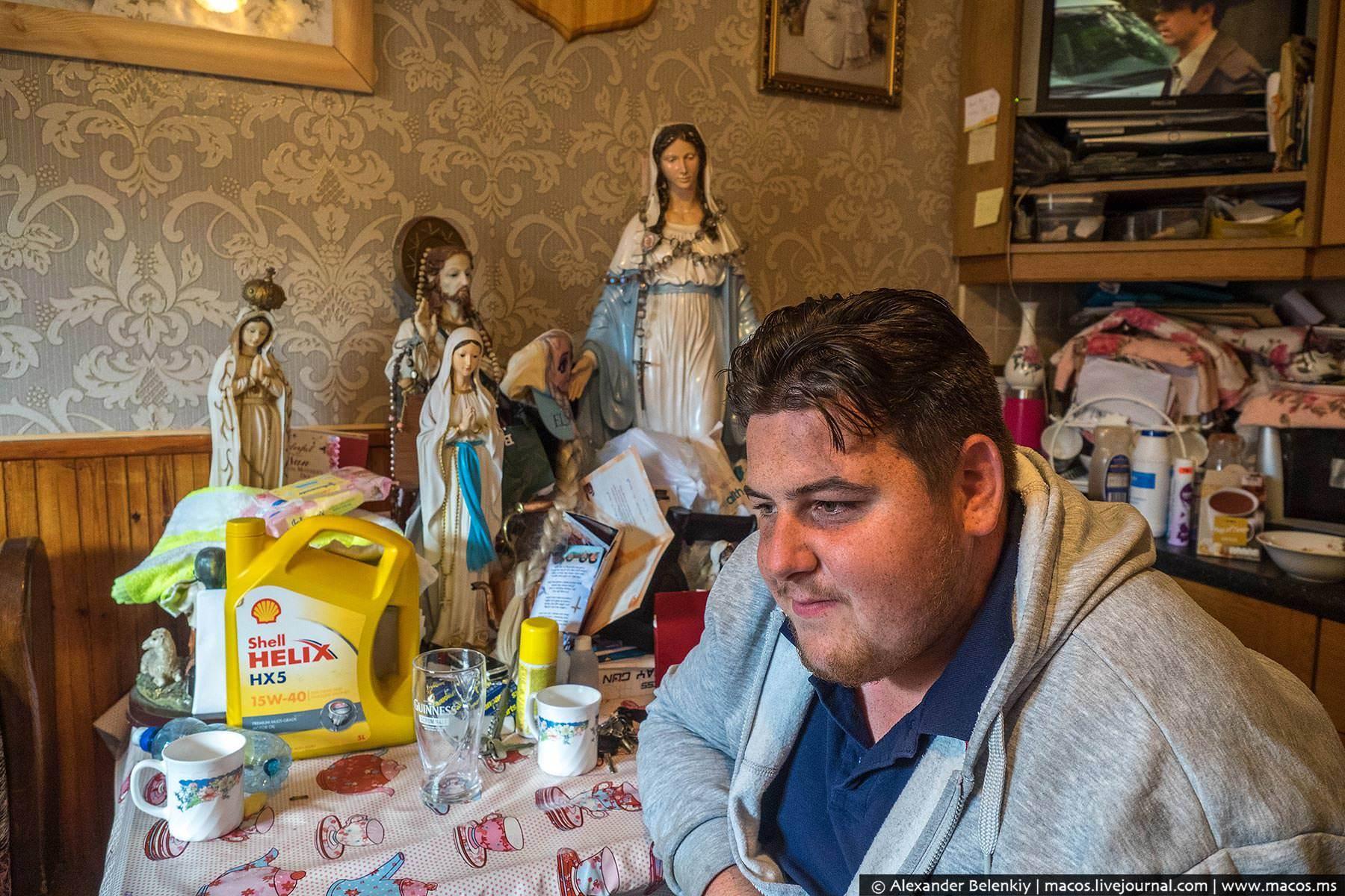Приколы толстый мужик в стрингах 25 фотография